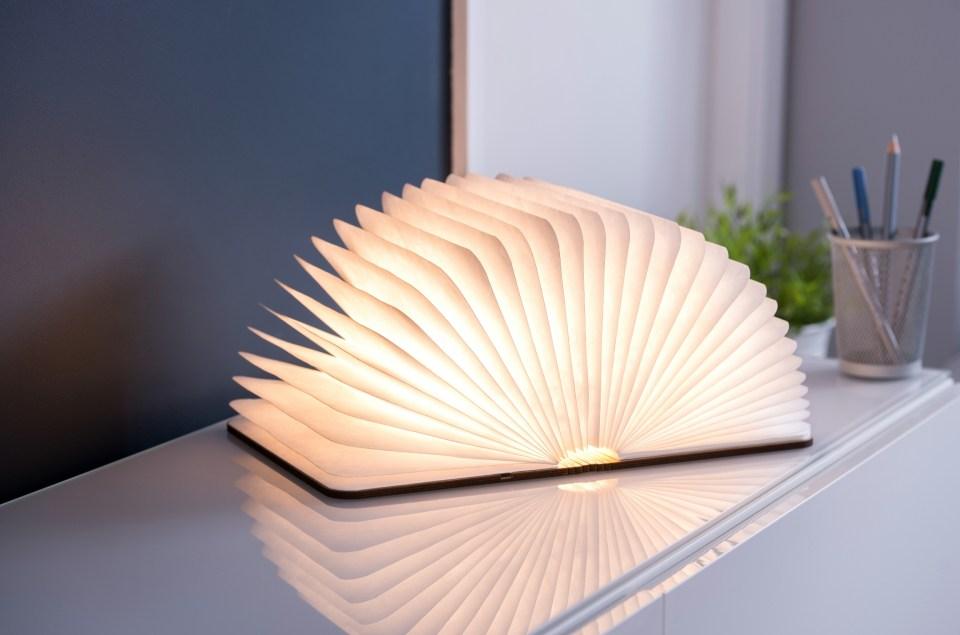 Настолна лампа Gingko от National Theatre.