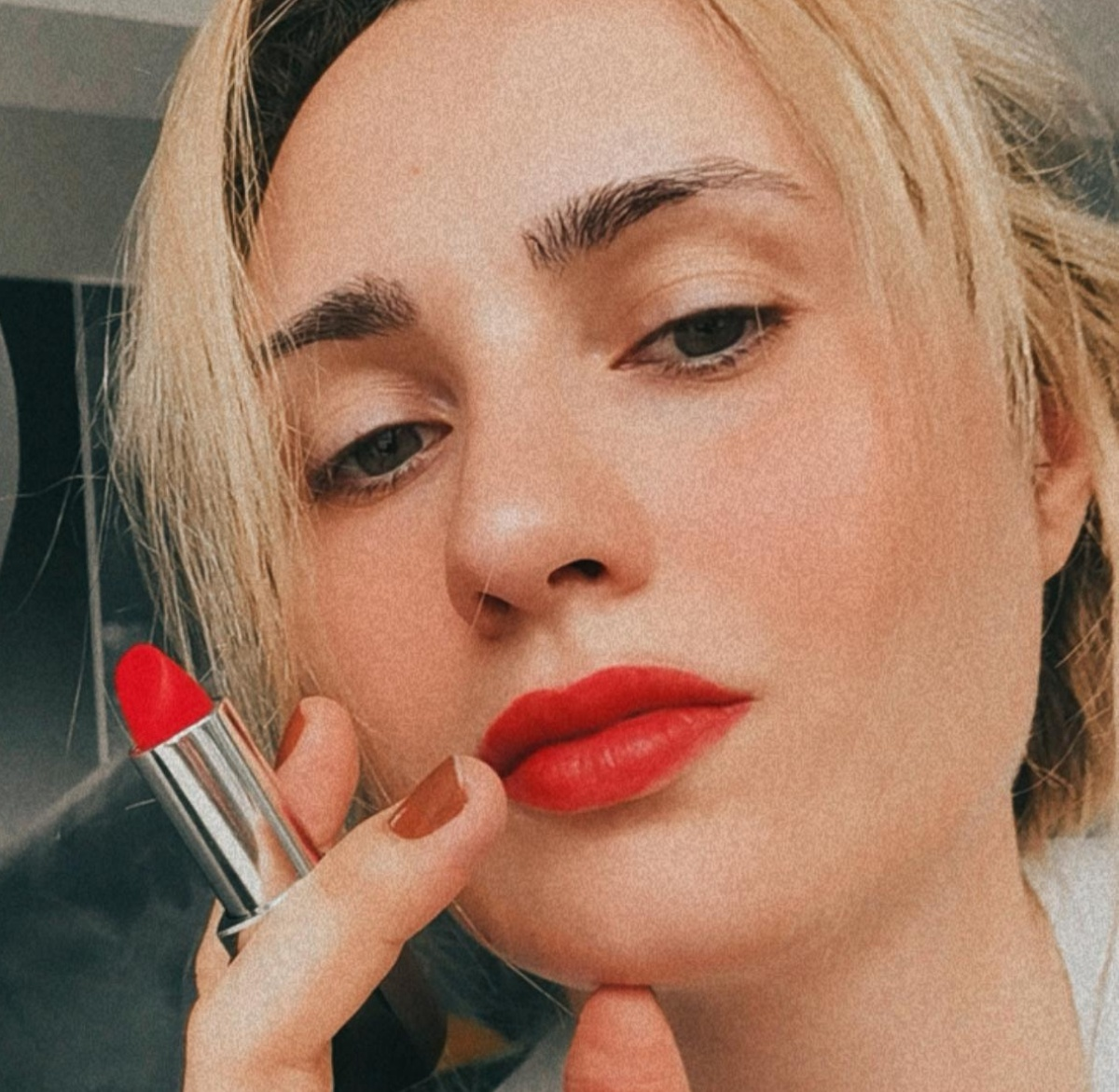 Велина Василева с матово червило