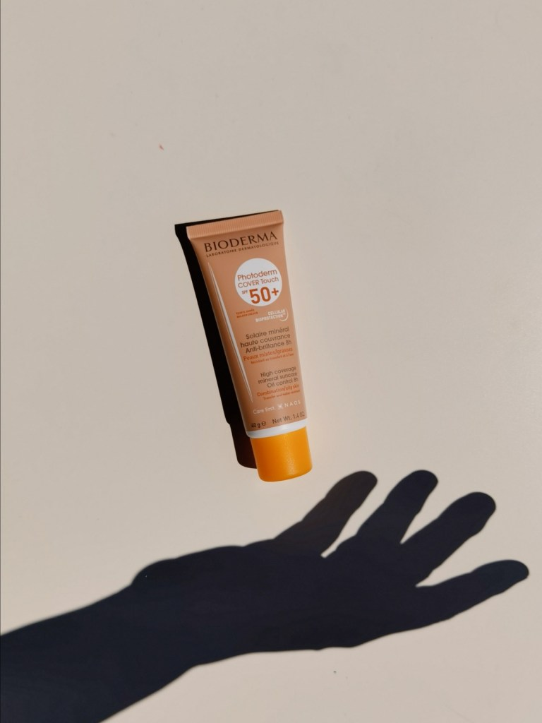 Слънцезащитата за лице Photoderm Cover Touch SPF 50+