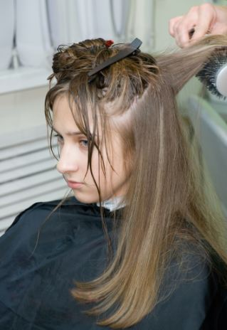 what is a good tip to give a hair stylist quality hair accessories