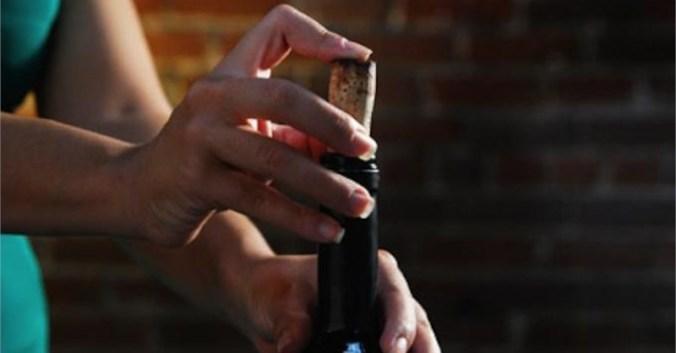 blog vin beaux-vins oenologie dégustation reboucher bouteille combien temps garder vins