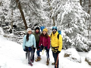 Shweta_family_skiing