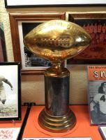 1942-rose-bowl-trophy