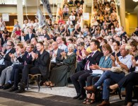Publikum während der Gedenkveranstaltung