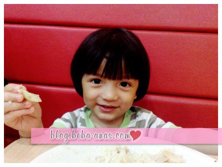 makan-chicken-rice-shop