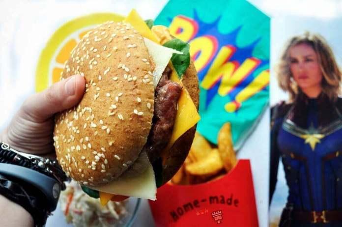 hamburguesa Capitana Marvel