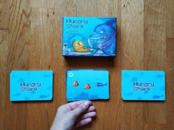Volteo juego de cartas Hungry Shark 1