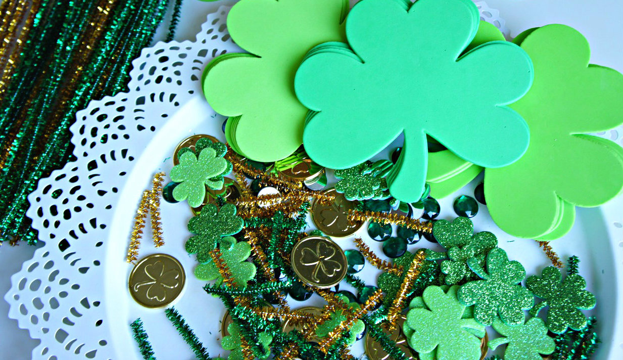 Getting Ready for St. Patrick's Day: Decorating Clovers