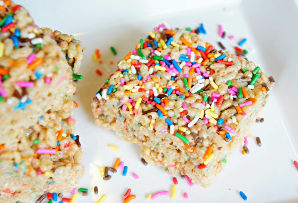 Cake Batter Rice Krispies With Sprinkles