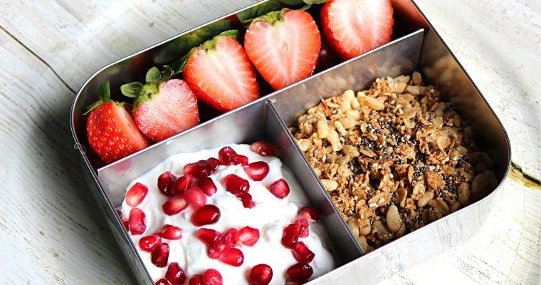 Bento Lunch Box: Yogurt Parfait