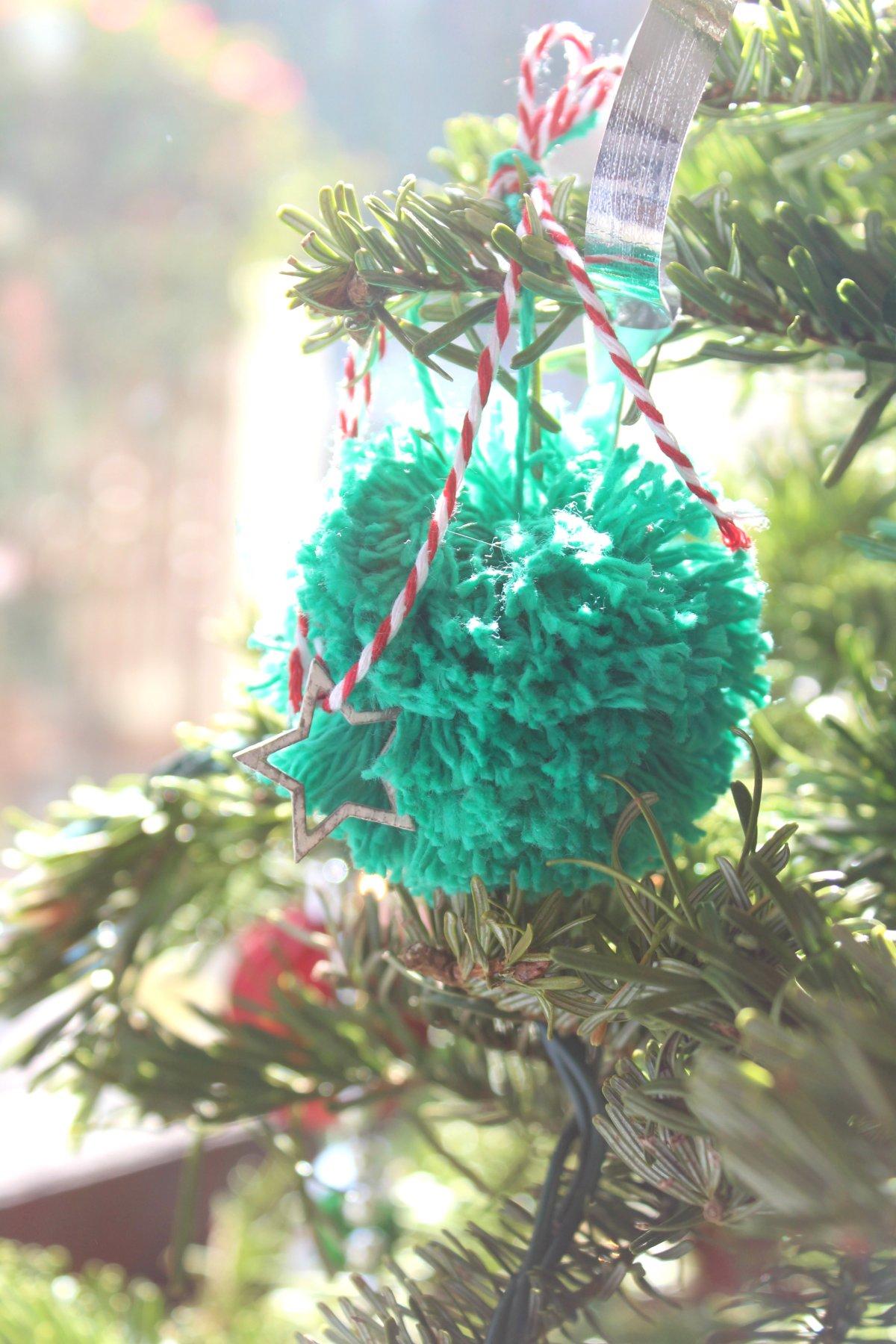 Christmas Tree Pom pom ornaments