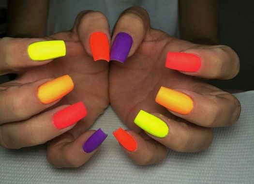 Cute Spring Nail Design Ideas With Bright Colour 27 2