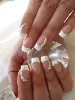Cute And Chic Nail Design Ideas For Brides 11