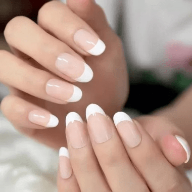 Cute And Chic Nail Design Ideas For Brides 13