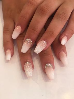Cute And Chic Nail Design Ideas For Brides 24
