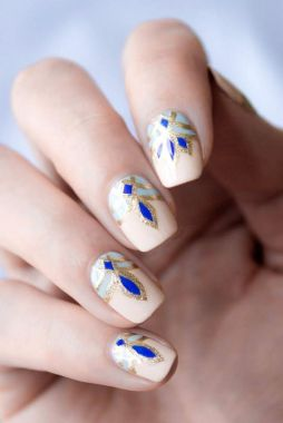Cute And Chic Nail Design Ideas For Brides 25