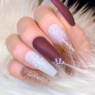 Pretty Acrylic Nails Ideas To Perfect Your Styles 05