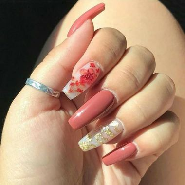 Pretty Acrylic Nails Ideas To Perfect Your Styles 21