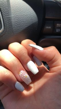Pretty Acrylic Nails Ideas To Perfect Your Styles 27 1