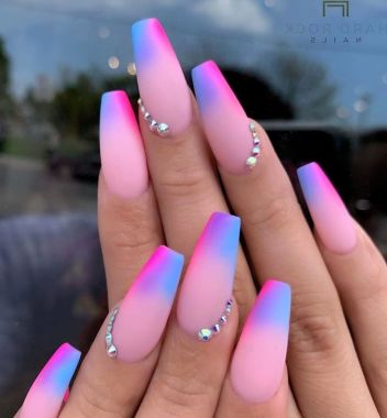 Pretty Acrylic Nails Ideas To Perfect Your Styles 30