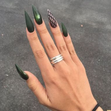 Pretty Acrylic Nails Ideas To Perfect Your Styles 32