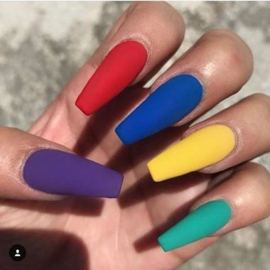 Pretty Acrylic Nails Ideas To Perfect Your Styles 37