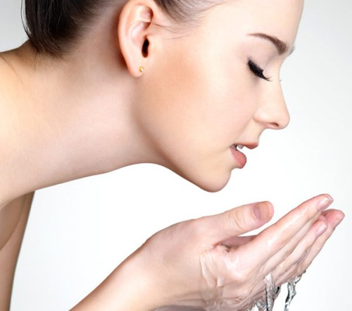How To Clean Oily Face