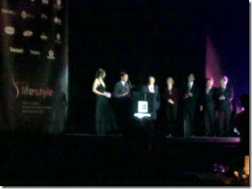 Entrega do prémio WorldLifestyle 2010 ao Director comercial da Bébé Confort