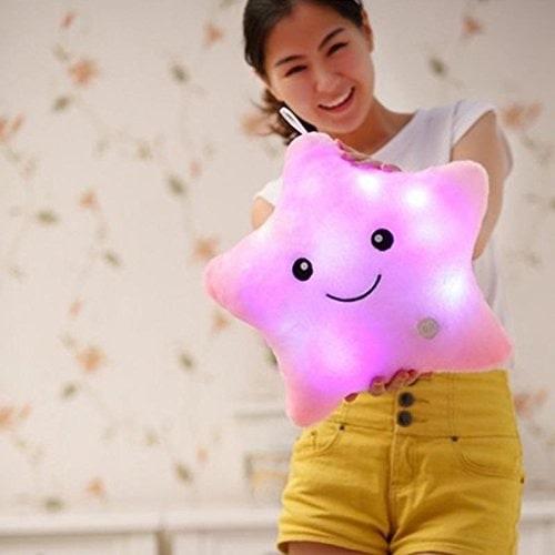 Almohada luminosa con forma de estrella