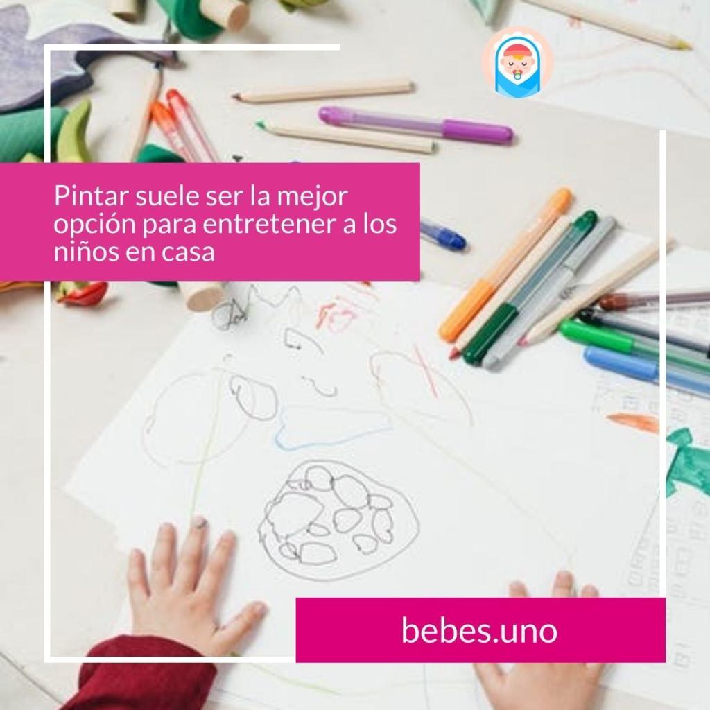 Pintar suele ser la mejor opción para entretener a los niños en casa