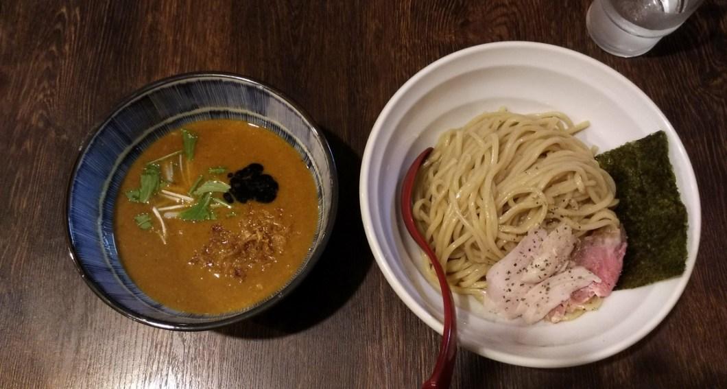 8823(はやぶさ)のカレーつけ麺