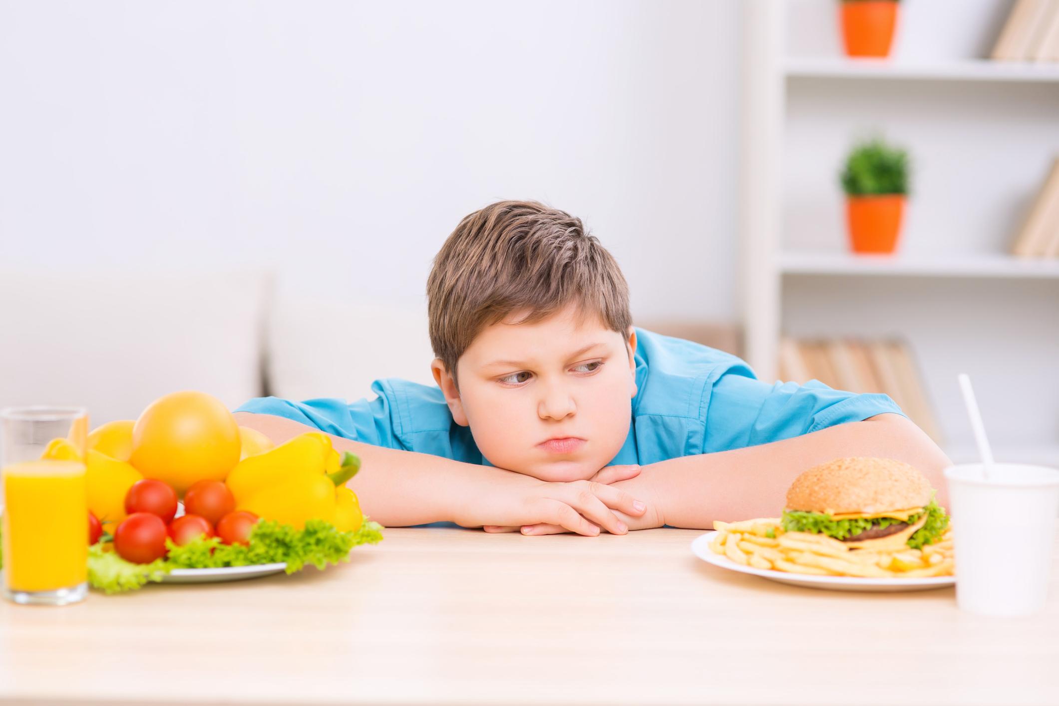 A náthától is jobban féltjük gyerekünket, mint az elhízástól