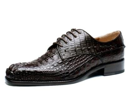 chaussure en peu de crocodile