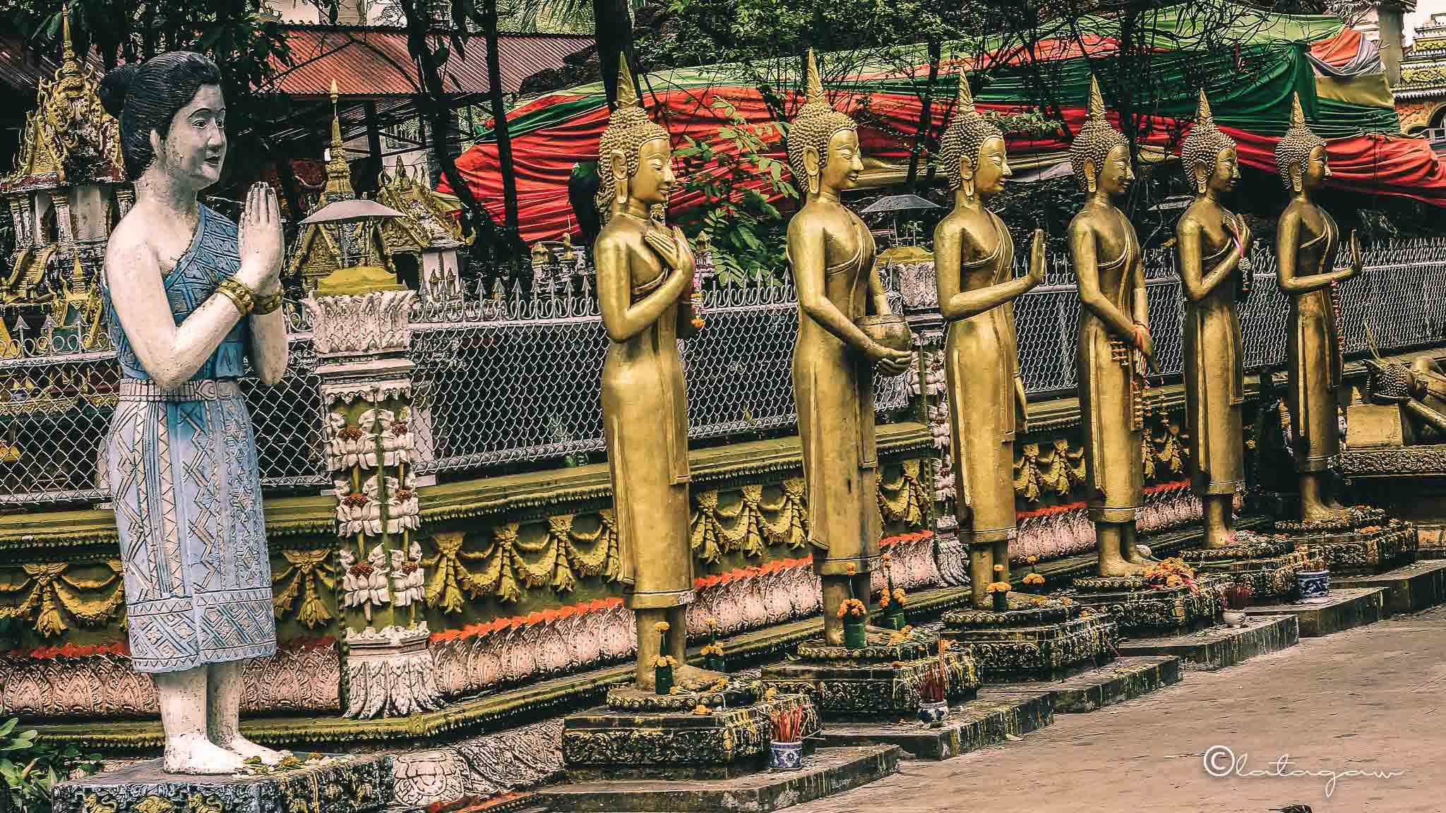 buddha statues in vientiane laos