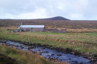 One bright morning at Strathchailleach bothy