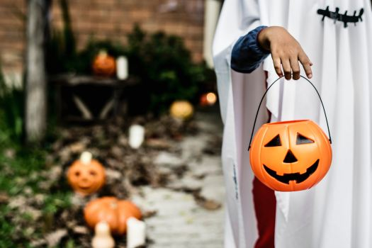 Trick-or-treating on Halloween is a tradition. Photo by rawpixel on Unsplash