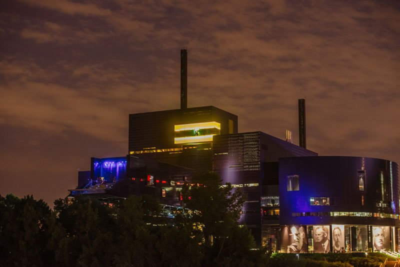 Guthrie theater minneapolis mn