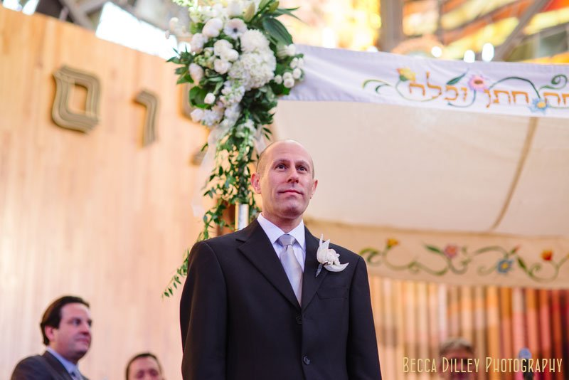 groom waits for bride at Beth El Synagogue in St Louis Park MN