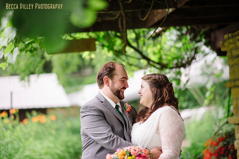 spring green wedding at hilltop