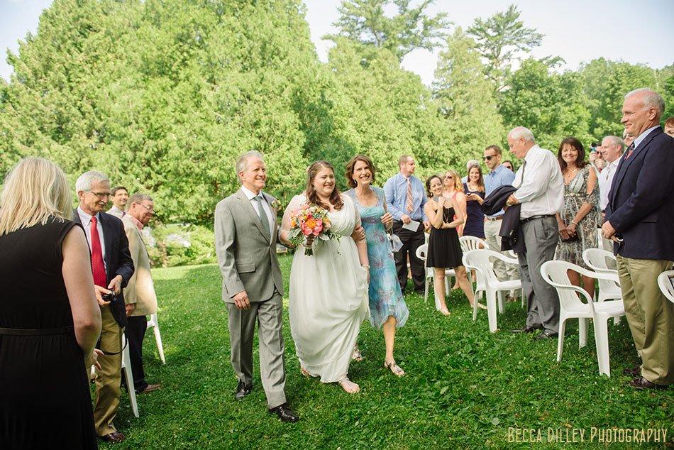 spring green wedding at hilltop