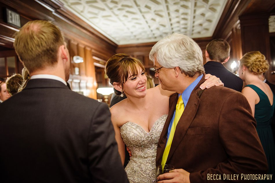 minneapolis-gale-mansion-wedding-golden-070