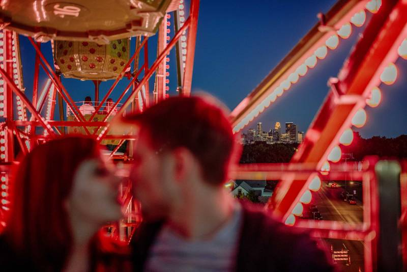 wow best-minneapolis-wedding-photographer-engagement with ferris wheel