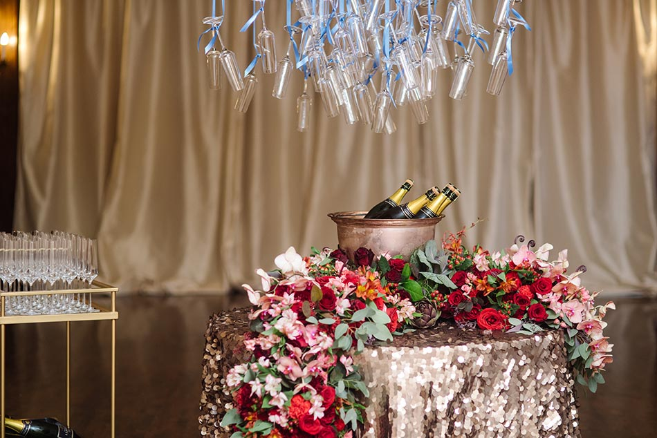 champagne service lavish minneapolis club wedding