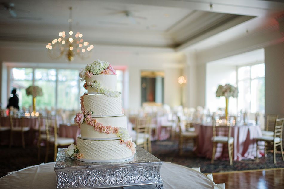 Wayzata Country Club Wedding Photographer