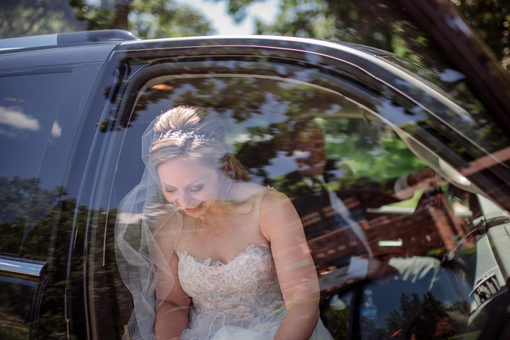 bride arrives in car Outdoor Minneapolis Wedding