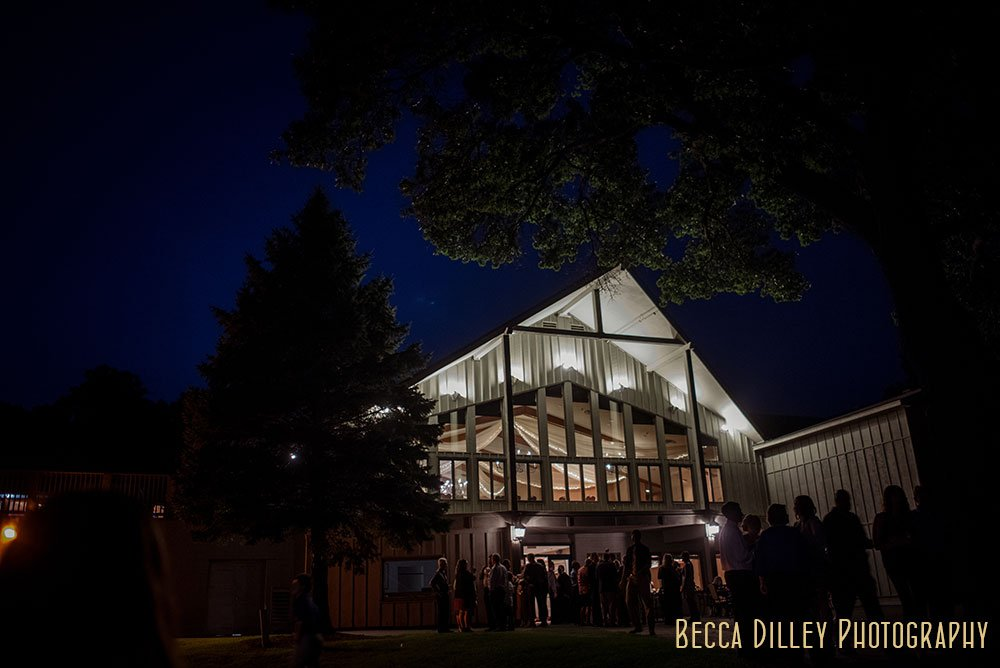 exterior of Majestic Oaks Golf Club Wedding MN at night