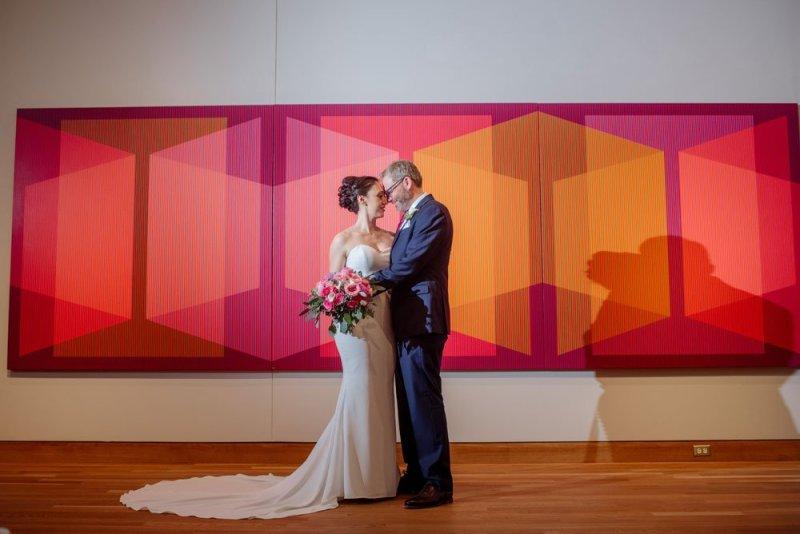couple with art weisman art museum wedding minneapolis