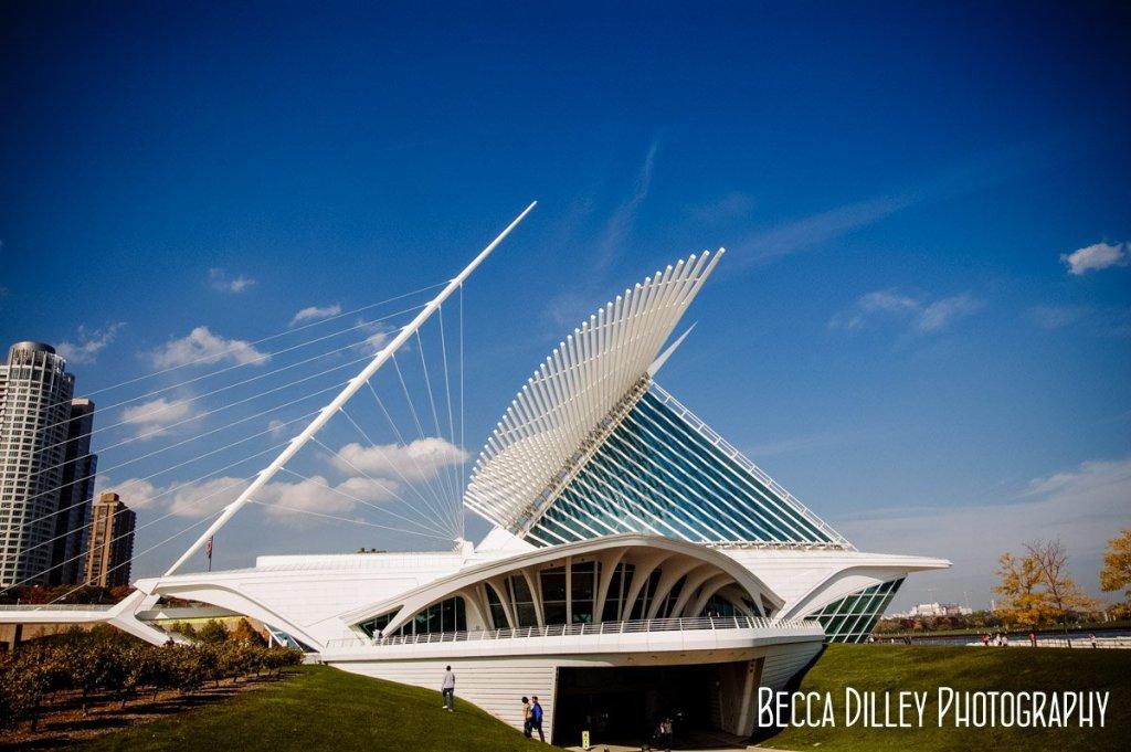 exterior - Milwaukee art museum wedding