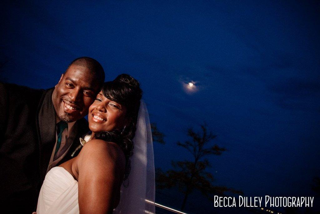 night portraits Milwaukee art museum wedding