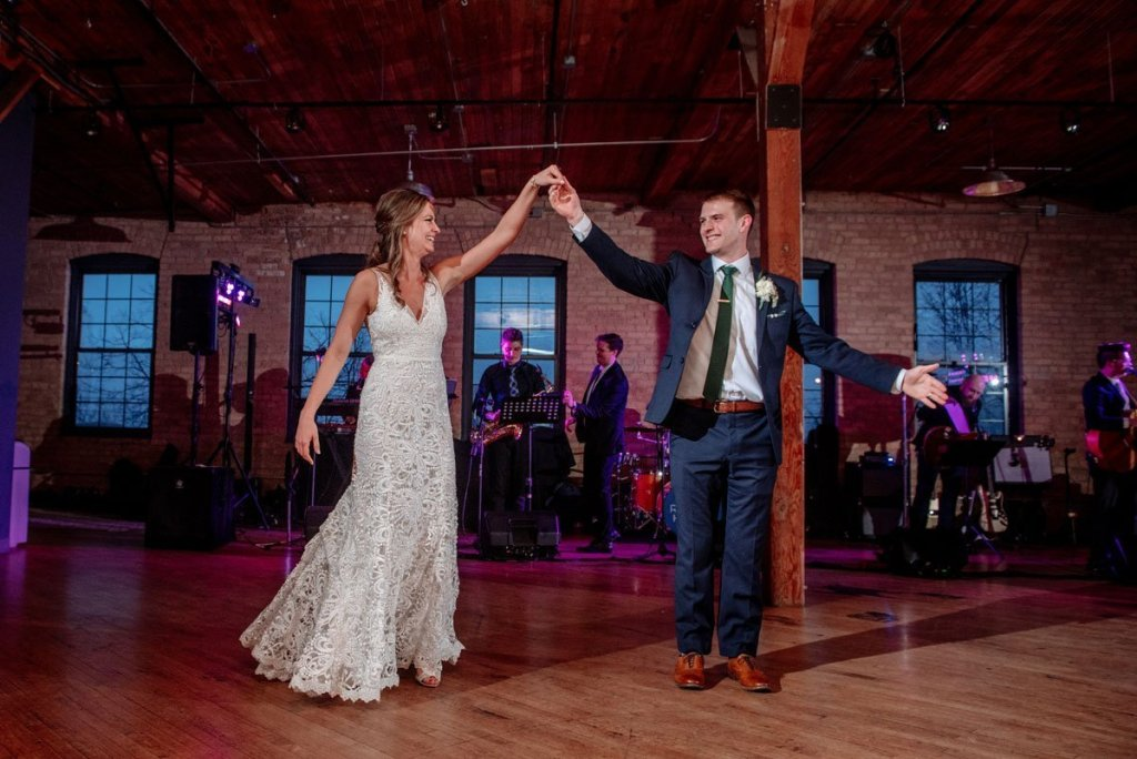 a first dance of husband and wife at solar arts in minneapolis ne arts district